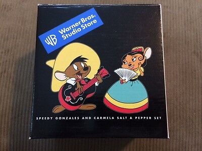 Speedy Gonzales And Carmela Salt and Pepper Shaker Warner Brothers 1999