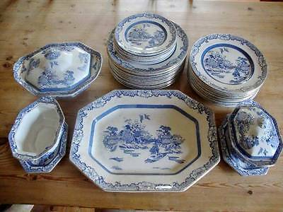 Vintage Rialto Ware British Art Pottery 34 Piece Part Dinner Service Blue Willow