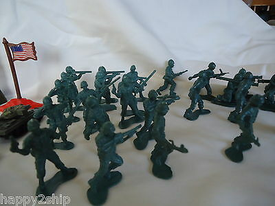 Vintage Green plastic Army Soldier men in 2 sizes & 3 colors - Over 100 Pieces