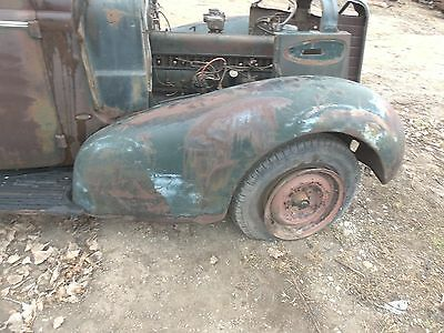 37 BUICK RIGHT FRONT FENDER