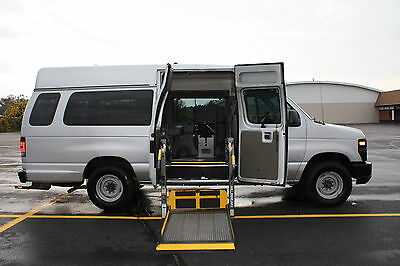 Ford : E-Series Van E-250 Ext Co 08 ford e 250 extended handicap accessible wheelchair van braun 2 arm side lift