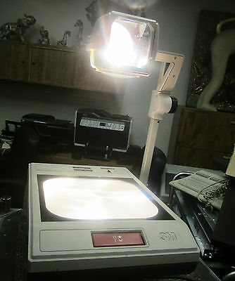Audio Visual Division / 3M  Overhead Projector Model 2100Ajat