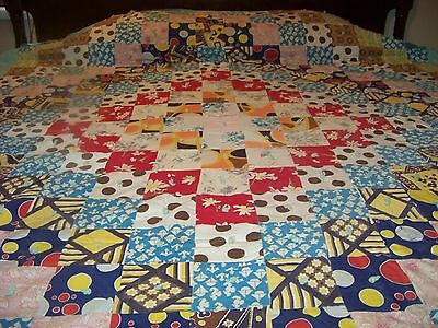 BEAUTIFUL VINTAGE HAND CUT QUILT,NOTE THE VINTAGE MATERIAL, 79 X 92, COTTON