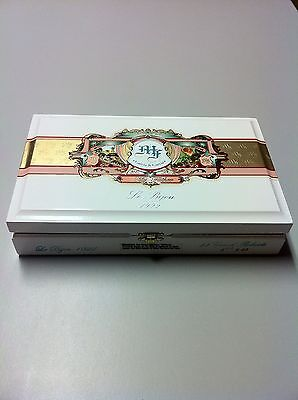 My Father Cigars Le Bijou 1922 Petit Robusto wood cigar box humidor w/clasp