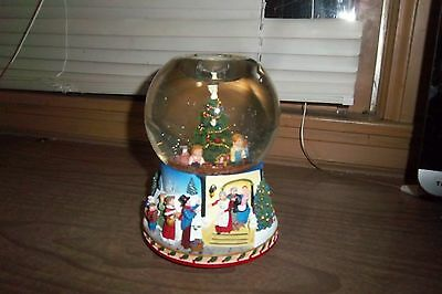 Partylite Christmas Morning Musical Snowglobe Tealight Candle Holder