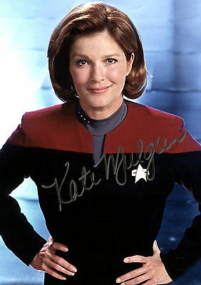 Kate Mulgrew 07 (Captain Jayneway Star Trek Voyager) Signed Photo Print 07A