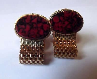Oval Red/Black Marble Stone with Gold Tone Stud Frame Mesh Band (1L)