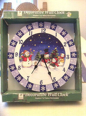 "BEAUTIFUL! SNOWMEN SNOWMAN WALL CLOCK WITH SNOWFLAKES 9"" DIAMETER ONE BATTERY"