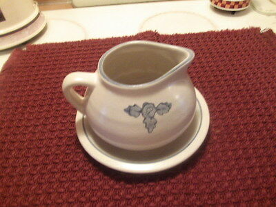 pfaltzgraff yorktowne gravy boat and underplate old castle mark