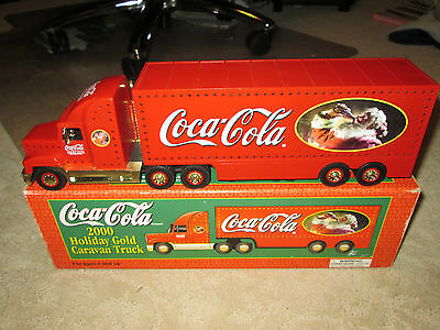 2000 COCA COLA LIGHTED HOLIDAY GOLD CARAVAN TRUCK - MINT IN BOX - LIMITED ED