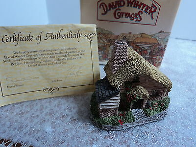 David Winter Drovers Cottage 1982 with COA in Box Collectible