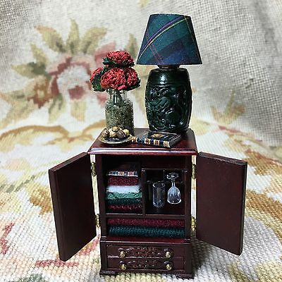 Bespaq/Pat Tyler Dressed Dollhouse Miniature Side End Table Chest Stand p336