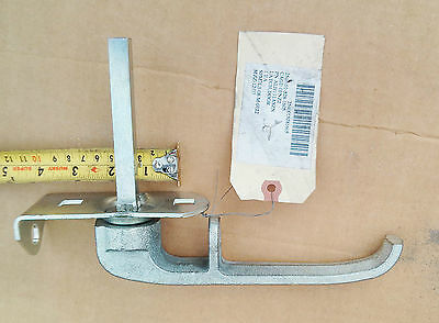 Lot of 2 Door Handle, Latch for US Military M1078 SERIES BAE , 2-1/2-TON, 4X4
