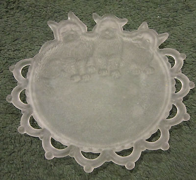 "Antique camphor glass fancy edged 7"" plates with dimensional cats / kittens EC"