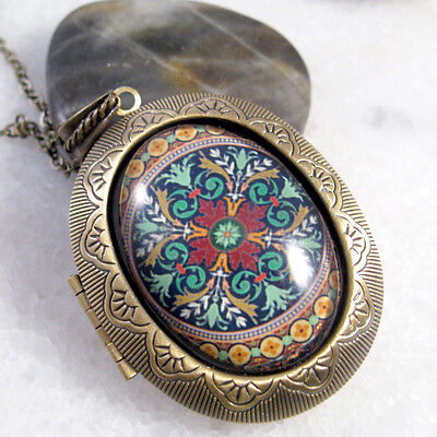 Victorian Pattern Vintage Brass Bronze Big Oval Picture Locket Pendant Necklace