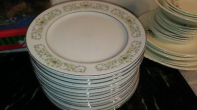 """Set of 14 Sterling Fine China Dinner Plates Florentine 10 3/8"""" White Yellow"""