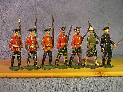 Britains Misc. Highlanders  ( All 7 Pieces ).