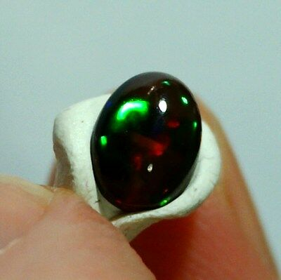 Opale welo noire 9x7mm VIDEO pierre éthiopienne ethiopian wello opal black