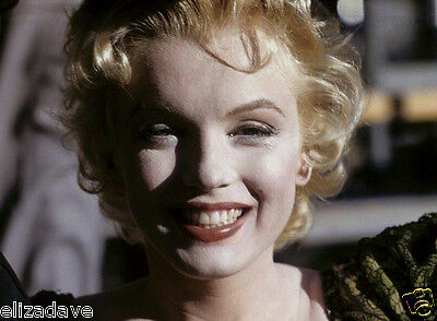 MARILYN MONROE Smiling Bus Stop Close-Up Candid Rare 8x10 Photo