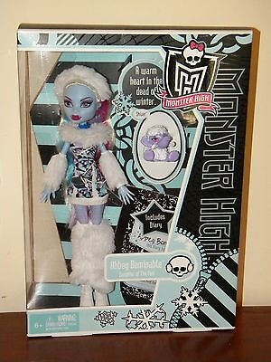 Monster High Abbey Bominable NRFB 2011 #V7988 1st Wave w/ Pet Shiver & Diary