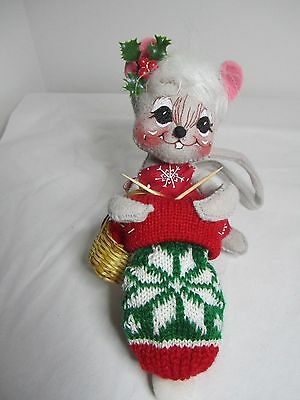 """Annalee 6"""" Mrs Mouse Knitting  (Christmas 1998) Made in USA"""
