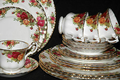 20 Pc. Set OLD COUNTRY ROSES Royal Albert England PLATES TEA CUP SAUCER Settings