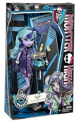 New Monster High Scaremester Twyla Doll & Accessories Free Shipping