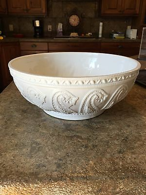 MOTTAHEDEH LARGE BOWL WHITE WITH RAISED PAISLEY DESIGN W/ORIGINAL STICKERS ITALY
