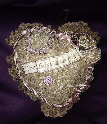 RARE W. KLESKI VICTORIAN LACE HANGING HEART TOOTH FAIRY PILLOW