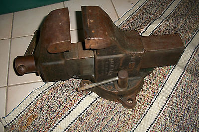 """VINTAGE COLUMBIAN BENCH VISE – MODEL 604 w/ 4"""" JAWS + SWIVEL BASE – MADE in USA"""