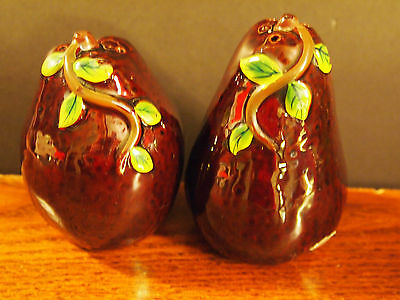 Vintage Vcagco Japan Brown Pear With Green Leaves Salt & Pepper Set