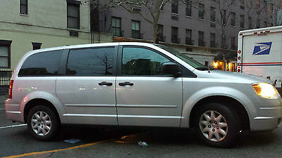 Chrysler : Town & Country LX 2008 chrysler town country lx low mileage priced to sell quick
