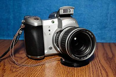 Sony DSC-D700 1.5 MP Digital Camera in Excellent Condition! 'Rare Vintage Item'