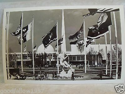 RPPC COLORFUL ENTRANCE TO 1939 NY WORLDS FAIR NYWF REAL UNDERWOOD PHOTO POSTCARD