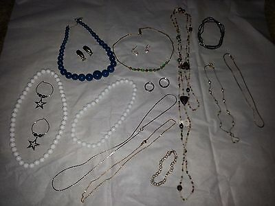 Vintage Lot of Jewelry lot 1101