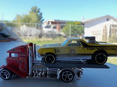 HOT WHEELS 1/64 SCALE HW '11 MAIN STREET 68 CHEVY EL CAMINO WITH FAST-BED HAULER