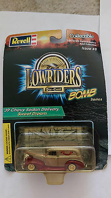 REVELL LOWRIDERS MAGAZINE DIECAST COLLECTIBLE 1939 CHEVY SEDAN DELIVERY 1:64 NEW