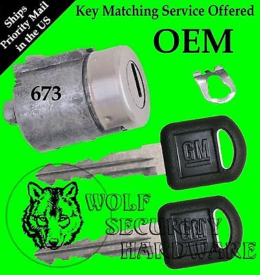 GM Chevy GMC Olds Isuzu OEM Single Door Key Lock Cylinder W/ 2 GM Keys 702673