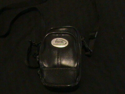 DIGITAL CONCEPTS CARRY/SHOULDER BAG WITH TWO POCKETS AND STRAP AND HANDLE