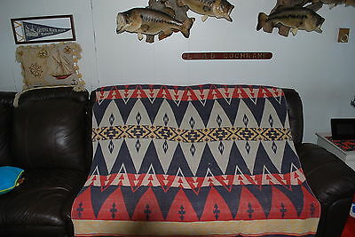 VINTAGE COTTAGE CAMP BLANKET BLUES, REDS, DOUBLE BED SZ, TEEPEE PATTERN GREAT!