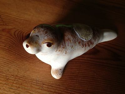 Fosters Pottery Honeycomb Small (baby) Seal