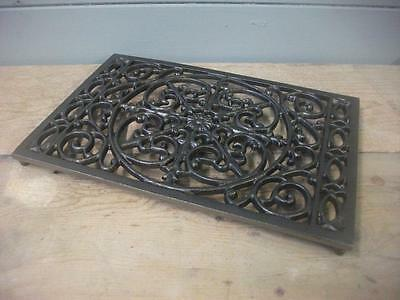 cast iron TABLE Trivet  FOR HOT PLATES / PANS ,Worktop Protector / kitchen