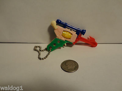 VTG PLASTIC PUZZLE KEYCHAIN Take-Apart Toy BUCK ROGERS? SPACE RAY GUN EXC! #2