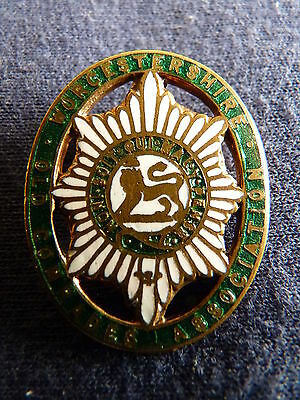 WWI Worcestershire Old Comrades enamel badge - buttonhole type – TT/1Ai