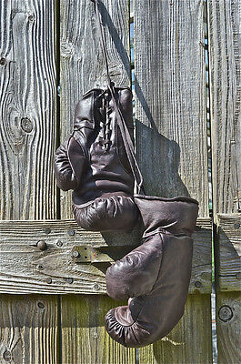 Fantastic Handmade Brown Leather Boxing Gloves Vintage Boxing Booth Style Ind