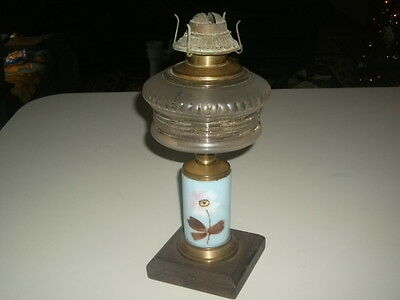 ANTIQUE 1897 P & A OIL LAMP BRASS AND PAINTED FLOWER