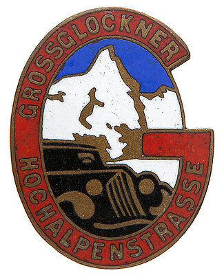 SWISS ALPS 1930s CAR TOURING SOUVENIR ENAMEL PIN.