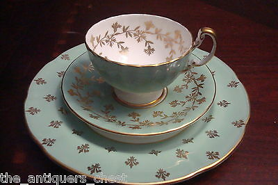 Aynsley England trio cup, saucer and dessert plate green and gold[4-2b