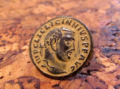 A ROMAN BRONZE FOLLIS OF EMPEROR LICINIUS I 312 A.D. Extremely Fine