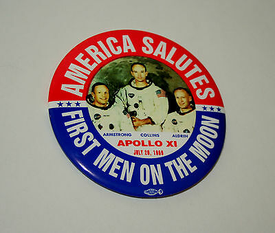 Lg NASA Apollo XI Rocket America Salutes 1st Men on Moon Pin Button 1969 NOS New